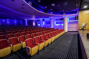 אולם קולנוע והרצאות | דיור מוגן