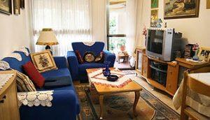 סלון דירת כלנית - אחוזת נווה חוף, דיור מוגן יוקרתי