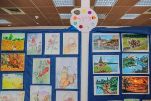 תערוכת ציורים - באחוזת נווה חוף, נהנים מדיור מוגן איכותי