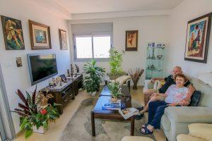 סלון - דירת סחלב באחוזת נווה חוף, דיור מוגן יוקרתי