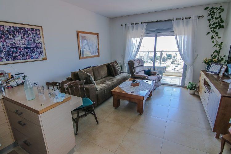 סלון - דירת נרקיס באחוזת נווה חוף, דיור מוגן יוקרתי